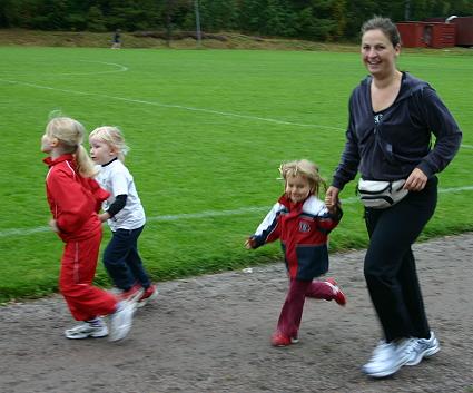 Även Aliette sprang, 400 meter.