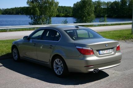 BMW 535 back